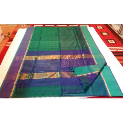Sameer Handloom Dark Green Cotton Silk Ganga-Jamuna bordered Maheshwari Handloom Saree