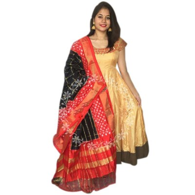 Ikkath Weaves Black Silk Checkered Ikkat Handloom Duppatta